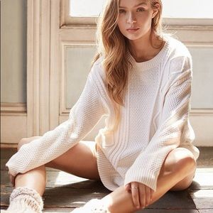 🐘 Urban Outfitters BDG Cable Knit Sweater